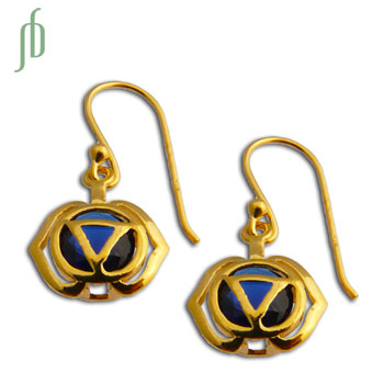 Good Vibes Forehead Chakra Earrings Gold Vermeil